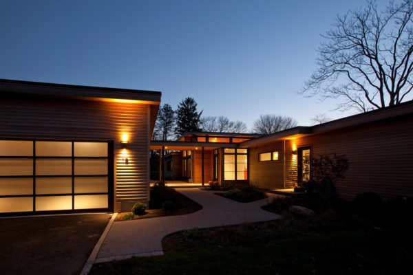 incorporate contemporary architecture for an exquisite-looking breezeway and detached garage
