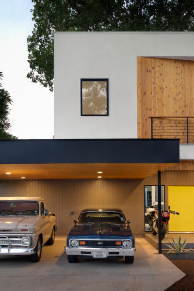 support wide carport with tiny posts for a contemporary front of house appeal